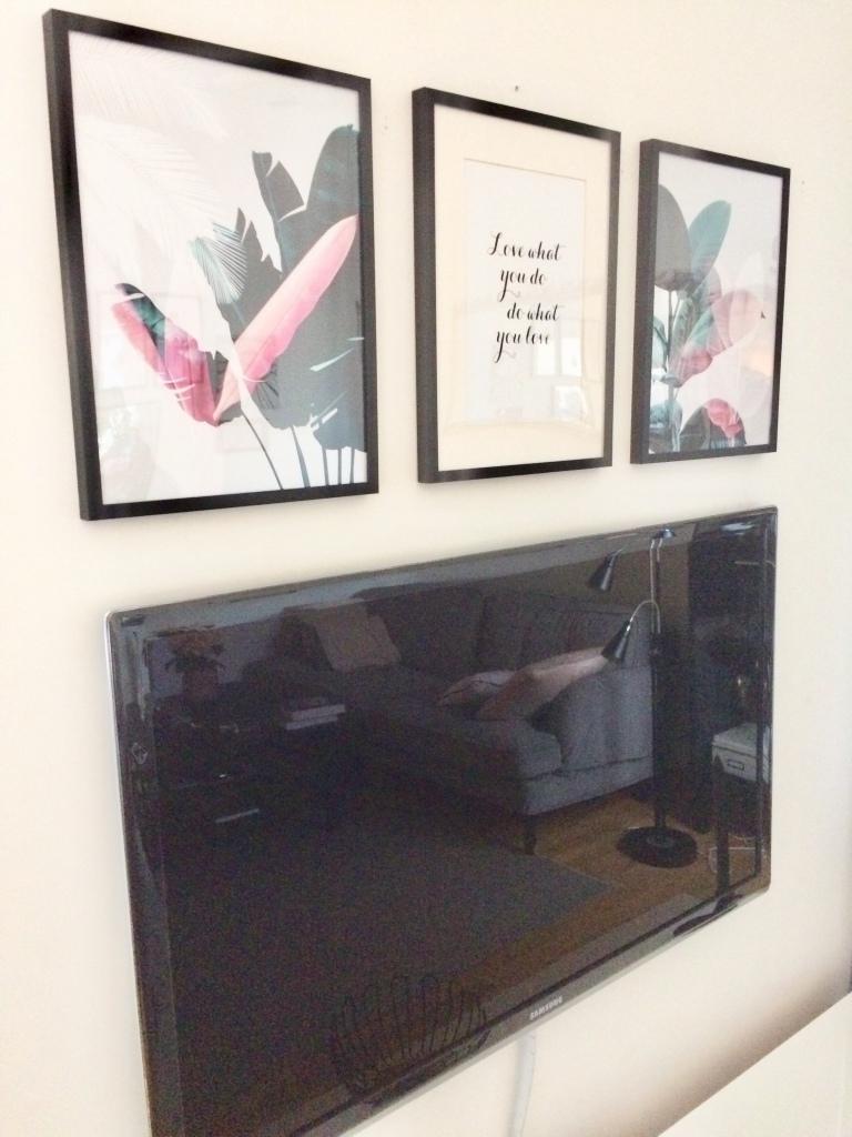 TV i en tavelvägg